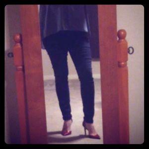 Hot black pants!